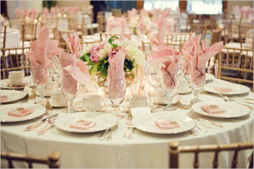 Pink wedding table.: Arrangements Ideas, Pink Wedding, Beautiful Tables, Receptions Tables, Decoration, Pink Tables Sets, Tasting Tablescapes, Tablescapest Sets, Delicadeza Para
