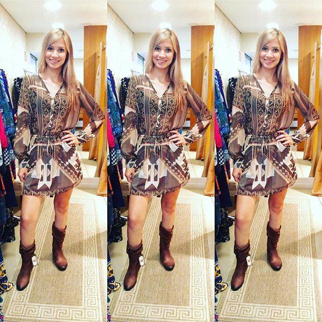@danielletakahashi arrasando de linda aqui na #aslita com botinhas #perlatto e vestido #lezalez ❤️ #instalook #moda #lookdodia #aslitamoda