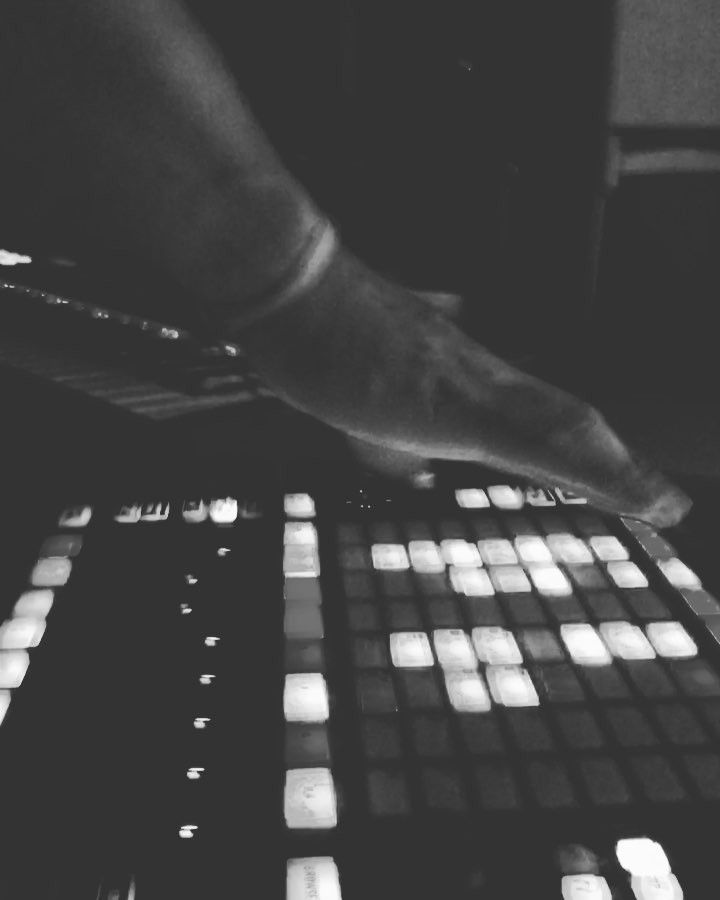 Featuring #Beats by #Producer @JustMusicAndLy1 – #Soundoracle @Triza #UnquantizedPodcast #Sounds #Drums #Percussion https://www.instagram.com/p/BYULpXZF2Rk/?taken-by=just.music.and.lyrics_