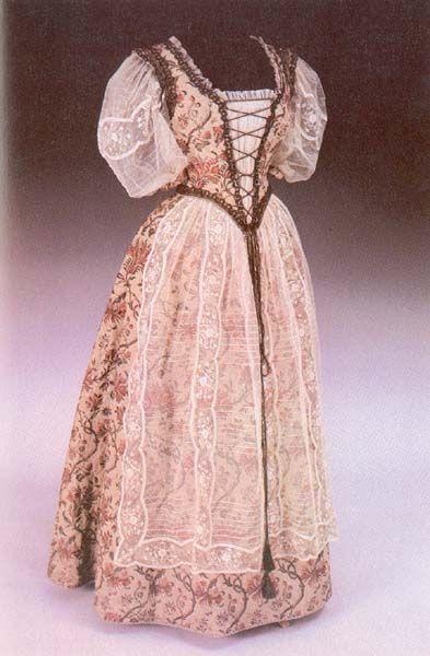 Hungarian dress designed by Klára Tüdős