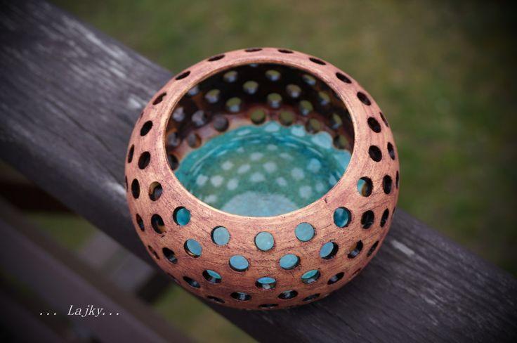 Jezírko... Lampička s modrým sklem. Výšky 6,5 cm, průměr 11 cm