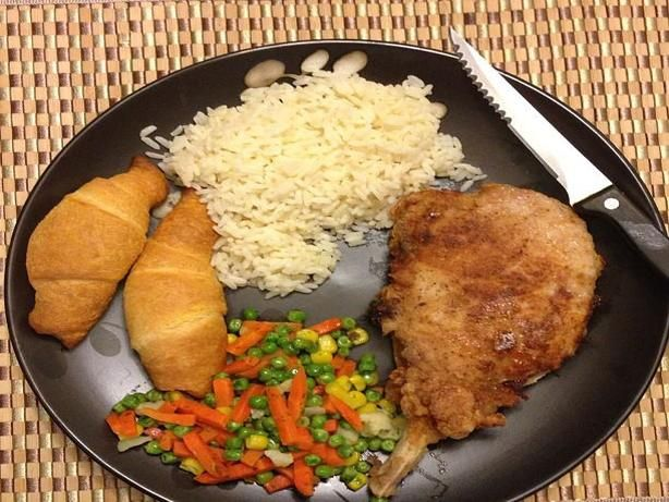 My sister learned the basic flour mix from her former mother-in-law, who grew up in Carruthersville, Missouri.  My sister kept hearing Emeril say how well garlic went with pork, so she added it to her seasoning mix.  My dad still swears that my maternal grandmother (his former mother-in-law) made the best fried chicken ever.  Born in 1919, she was the eldest daughter, and second of ten children, raised on a farm outside the town of Black Oak, Arkansas.  Even after my parents divorced, Dad…