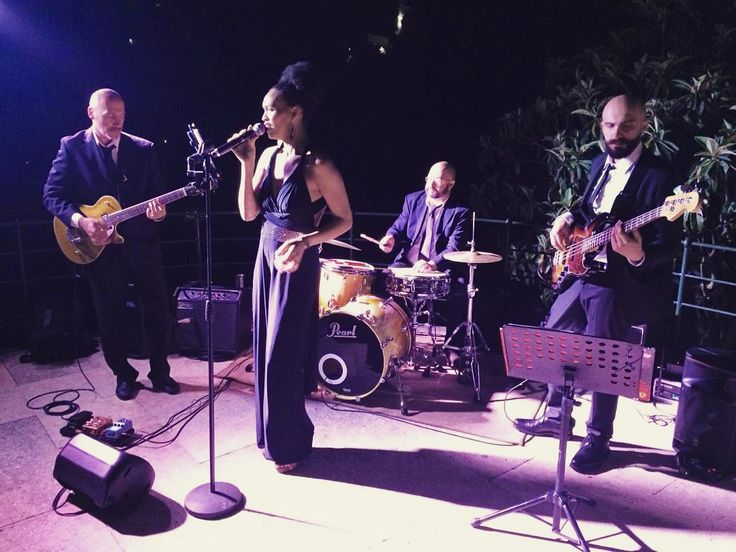 Our amazing party band in a semi acoustic set, live from Portofino with love! :) Thanks to @sposiamovi for bringing us here!  #musicaevento #portofino #destinationwedding #partyband #weddingparty #weddingpartyband #weddingmusic #weddingmusicentertainment #livemusic #weddingsinger #weddingmusicians #instamusic #instalive #instatoday #rivieraligure #riviera #italianriviera #liguria