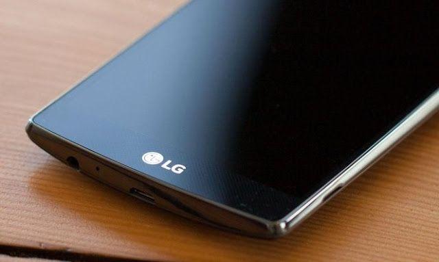 Se filtra la primera imagen real del LG G5   A menos de un mes para que arranque una nueva edición del Mobile World Congress en Barcelona siguen sucediéndose rumores y filtraciones del LG G5 uno de los dispositivos que serían anunciados allí. Por el momento no habíamos visto ninguna imagen real del dispositivo conocemos una gran parte de sus posibles especificaciones pero no cómo sería exactamente. El medio Droid-Life se habría encargado de desvelarnos esta incógnita publicando varias…