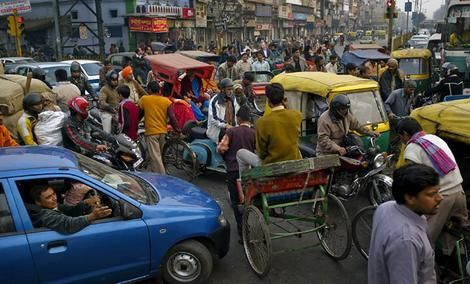 Delhi Traffic! Visit: http://www.chaiacupoflife.com/driving-in-india-2 #delhi #traffic