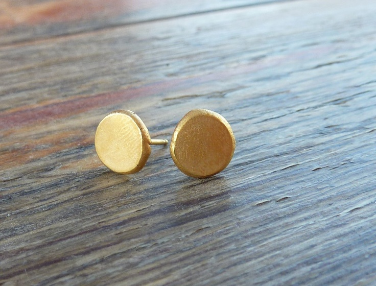 Gold studs earrings Organic gold studs earrings Gold post earrings: Friends Studs, Gold Stud Earrings, Gold Posts, Earrings Eco, Gold Studs Earrings, Earrings Organizations, Golden Studs, Organizations Gold, Earrings Gold