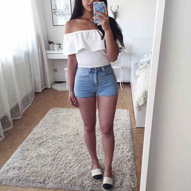2 adolescentes increíbles en mini shorts 8