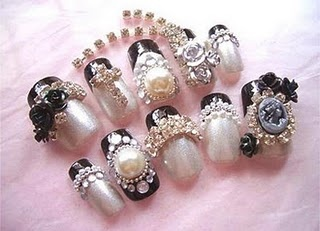 Japanese 3D nails are handmade accessories. People are crazy about the Japanese nail style and these nails are everywhere. The 3-dimensional objects that are utilized in Japanese 3D nails are made up of sculpture powder wherein it is moulded to desired shapes and sizes.