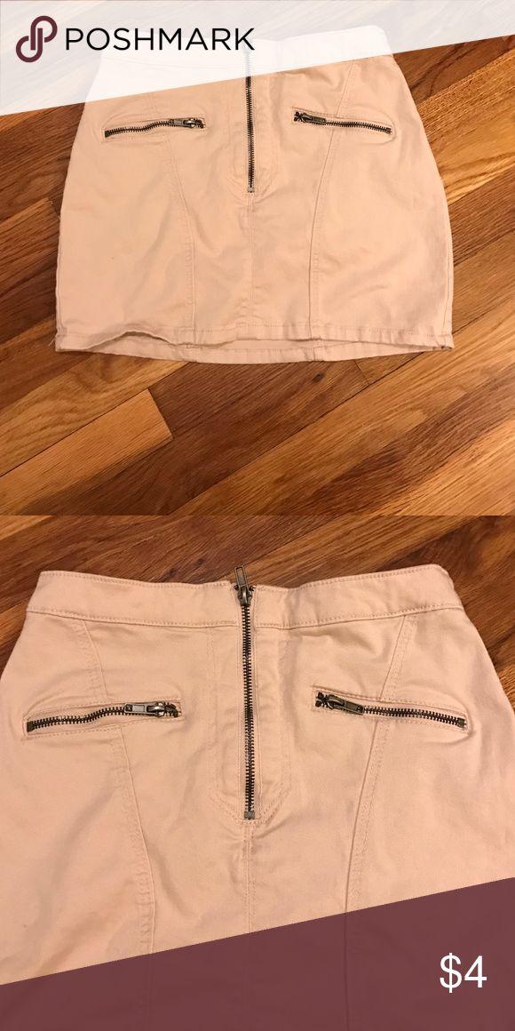 H and m mini skirt need to be bundle H and m mini skirt H&M Skirts Mini