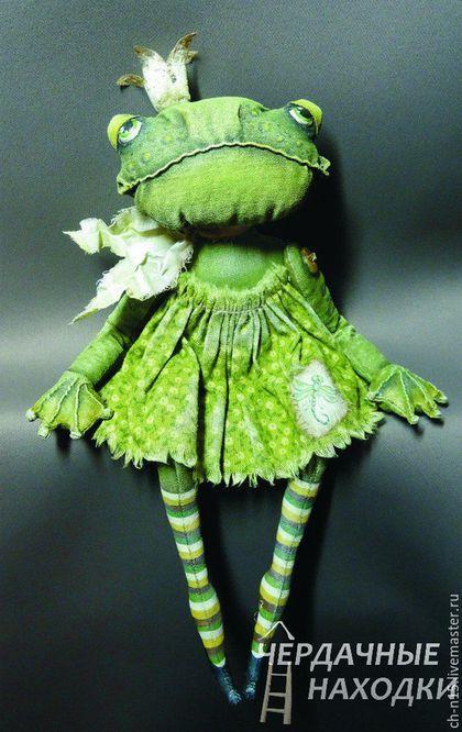 Коллекционные куклы ручной работы. Ярмарка Мастеров - ручная работа. Купить Царевна-лягушка. Handmade. Грунтованный текстиль, лягушки, зеленый
