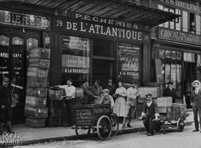 Paris. Poissonnerie, rue Rambuteau. Vers 1925.