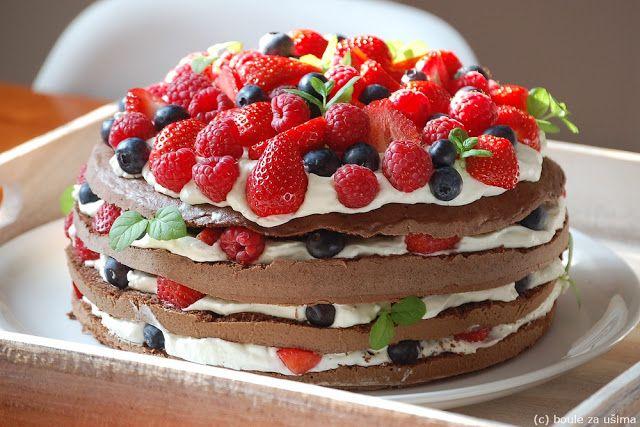 Boule za ušima: Lehký šlehačkový dort s ovocem