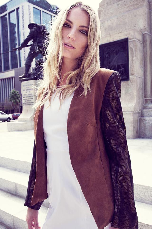 White dress brown jacket avron williams photography for Carla de klerk interieur