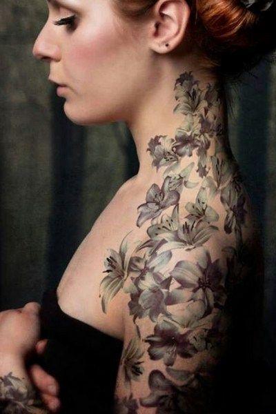 28 best tatouages de fleurs images on pinterest tattoo flowers tattoo ideas and nice tattoos. Black Bedroom Furniture Sets. Home Design Ideas