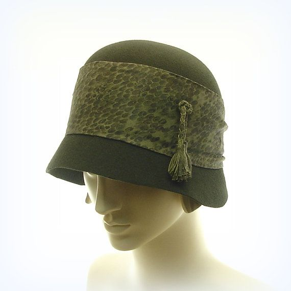green cloche hat for 1920s fashion hat downton