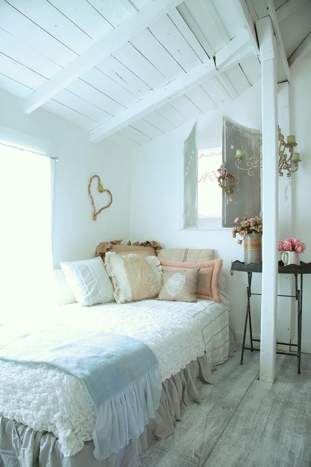 Fifi's guest house bedroom