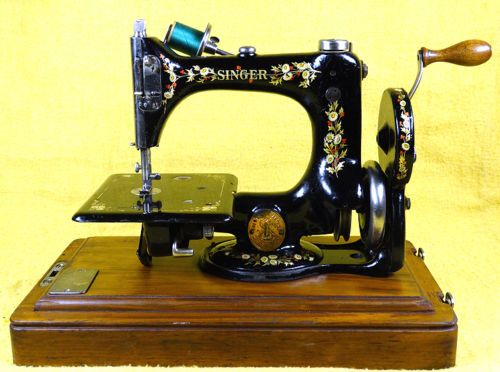 Antique Singer Model 40 Red Berry Chain Stitch Hand Crank Sewing Awesome Singer Hand Crank Sewing Machine