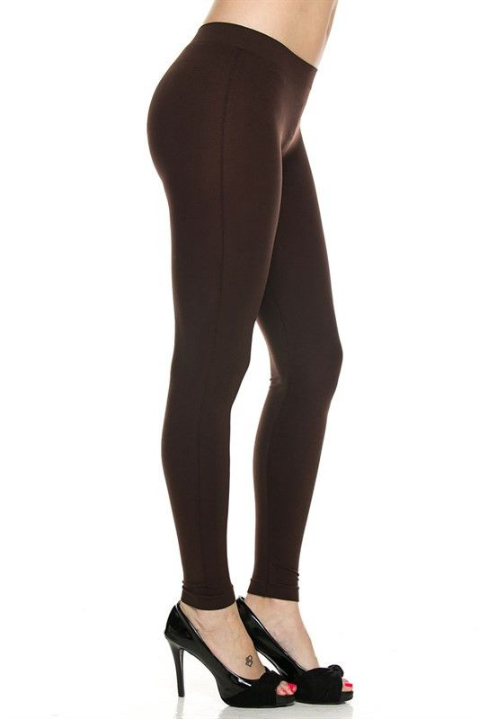 Seamless solid brown leggings. 92% nylon / 8% spandex.