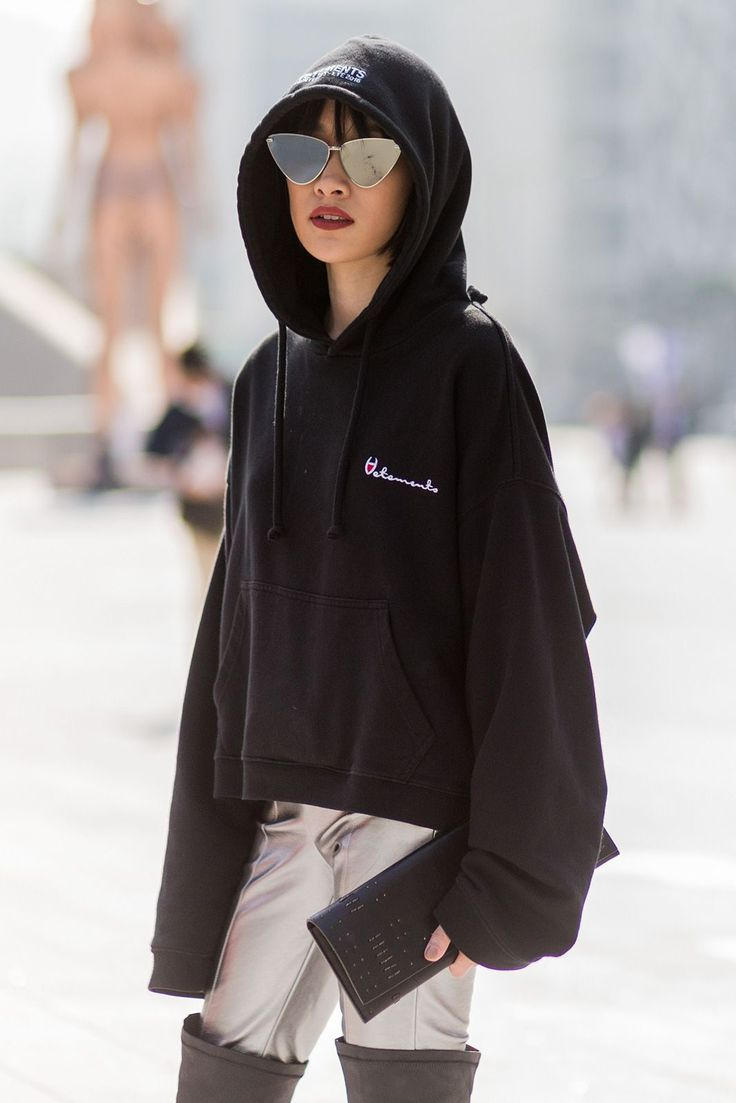 The Best Street Style From Seoul Fashion Week #refinery29 http://www.refinery29.uk/2016/10/126995/street-style-seoul-fashion-week#slide-19 Forget the Vetements hoodie, we're more focused on those silver trousers and over-the-knee boots....