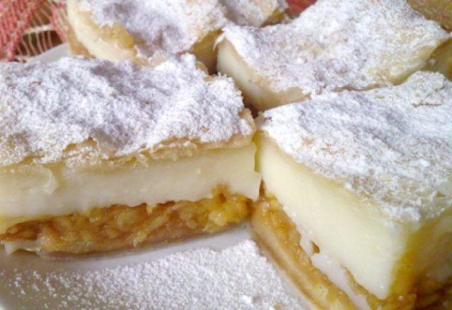 Jablkový koláč s pudingom