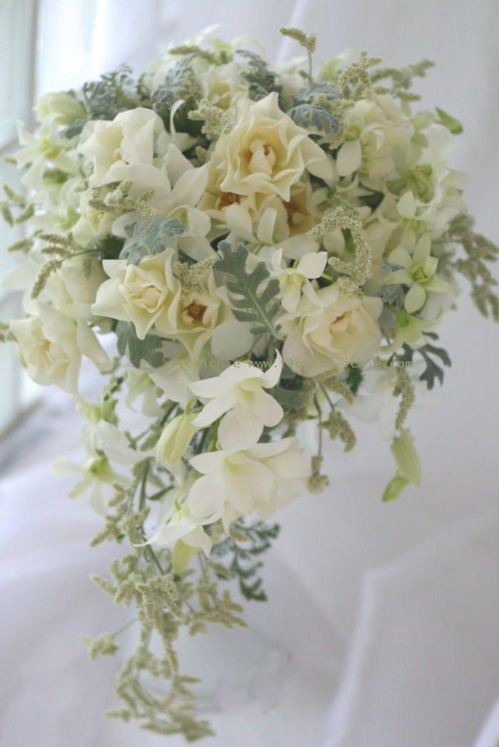 ブーケ キャスケード 白のなめらかな雪のような : 一会 ウエディングの花