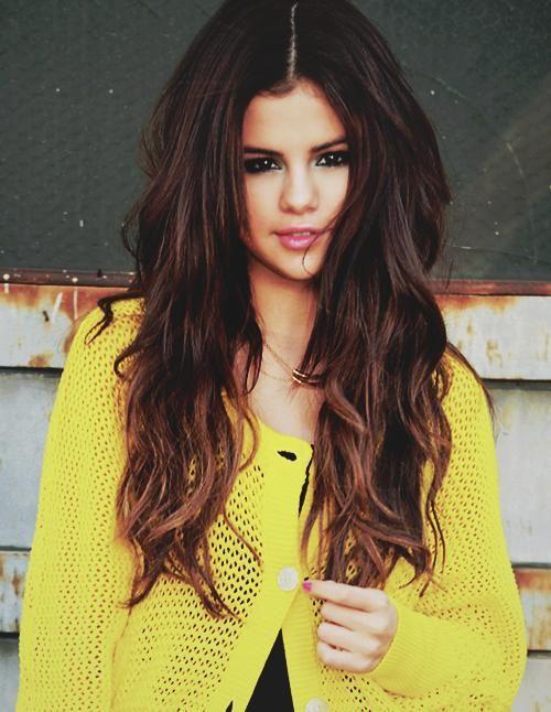 Selena is my idol I love het