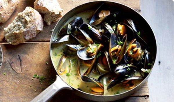 MUSSELS MARINIERE in just 20 minutes!