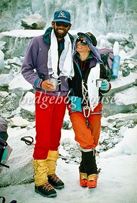 Rob Hall and wife, Jan Arnold, after climbing Mt Everest, base camp, Nepal - This Day in History: May 10, 1996: Death on Mount Everest http://dingeengoete.blogspot.com/