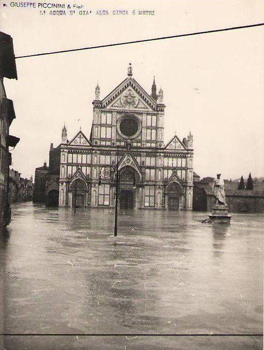 1966: 6m water in Piazza Santa Croce, Firenze