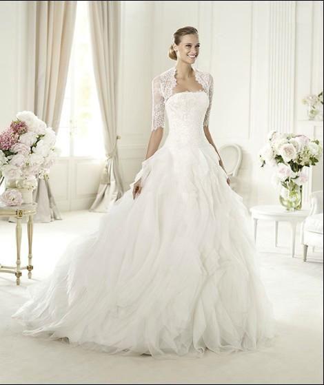 Beautiful Pronovias white wedding dress - 1