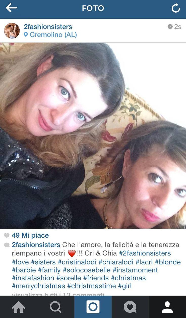 Un saluto dalle bellissime 2 Fashion Sisters by Cristina Lodi Cri & Chia che indossano gli #orecchini #birikini Emoticon smile  #birikiniemotions #bijoux #modaitaliana #fashionblogger #birikinibloggers  www.ibirikini.com - info@ibirikini.com
