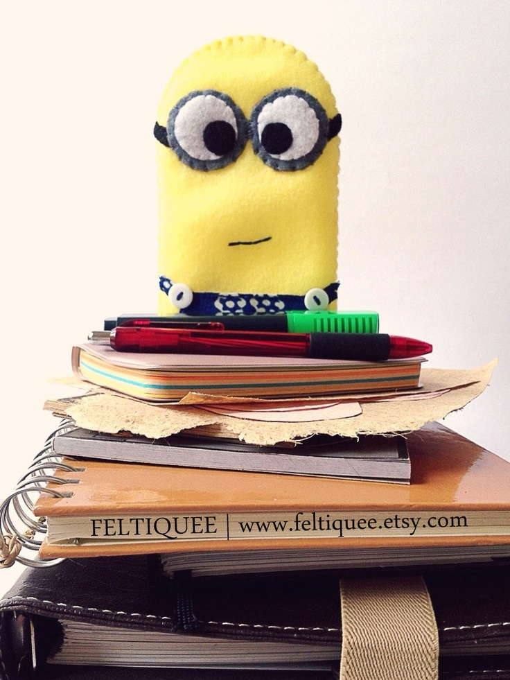 Minions is ready to be your smartphone companion | www.feltiquee.etsy.com