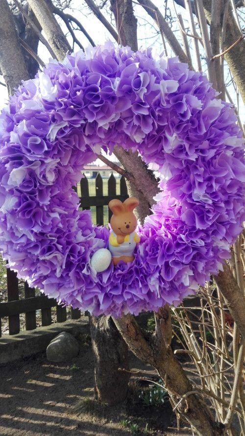 Velikonoční věneček se zajíčkem