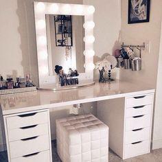 coiffeuse meuble chambre rangement bijoux maquillage miroir lumière