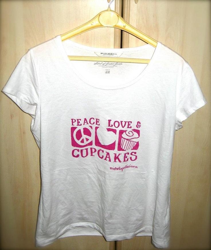 MicheLaPasticciona: NON SOLO TORTE....  sweet handmade t-shirt
