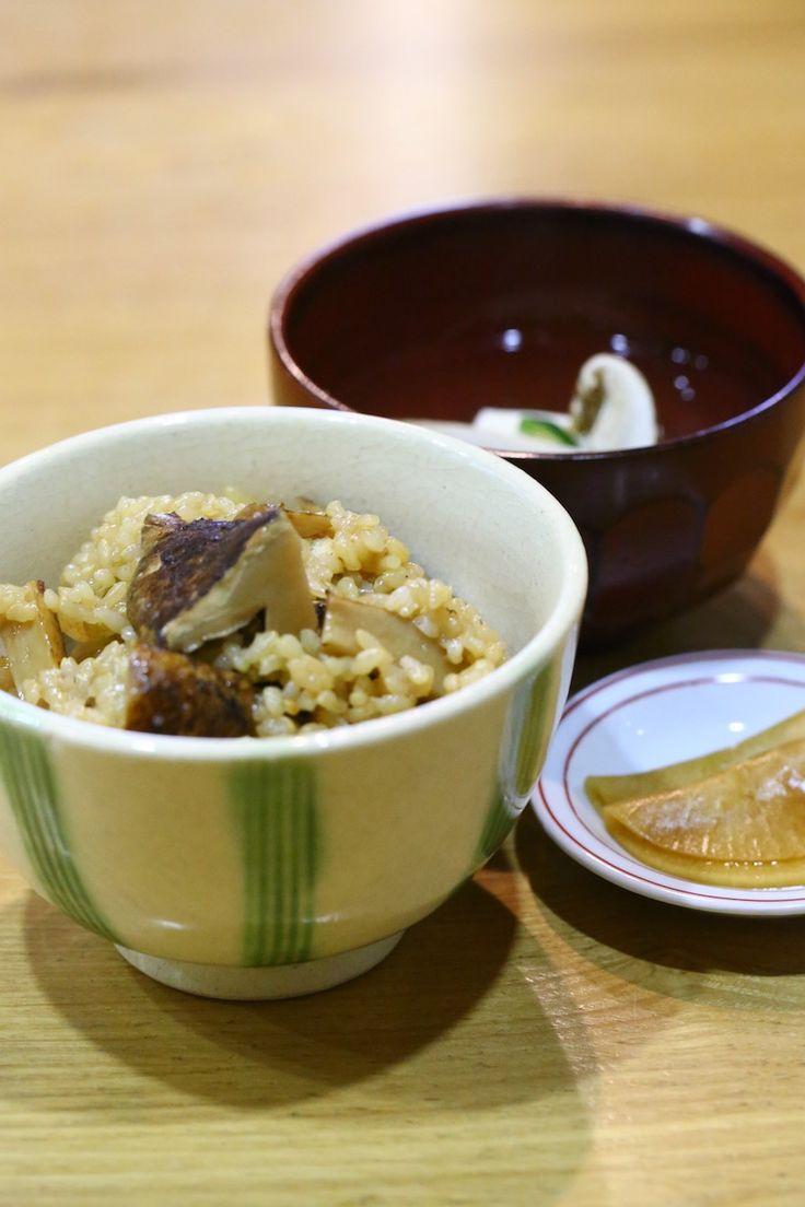 松茸ご飯と松茸のお吸い物 編笠大根添え