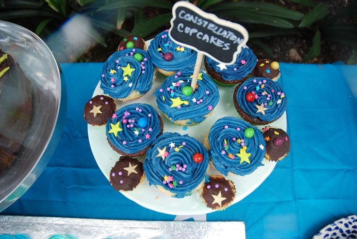 Constellation cupcakes