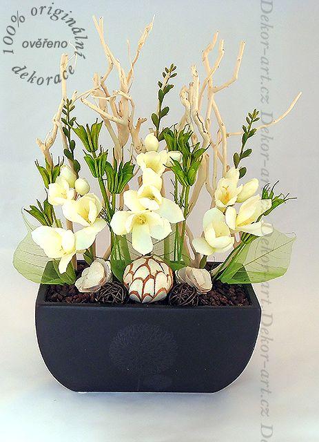 Luxusní dekorace z květin.
