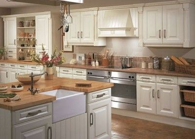 Really liking cream kitchens right now!