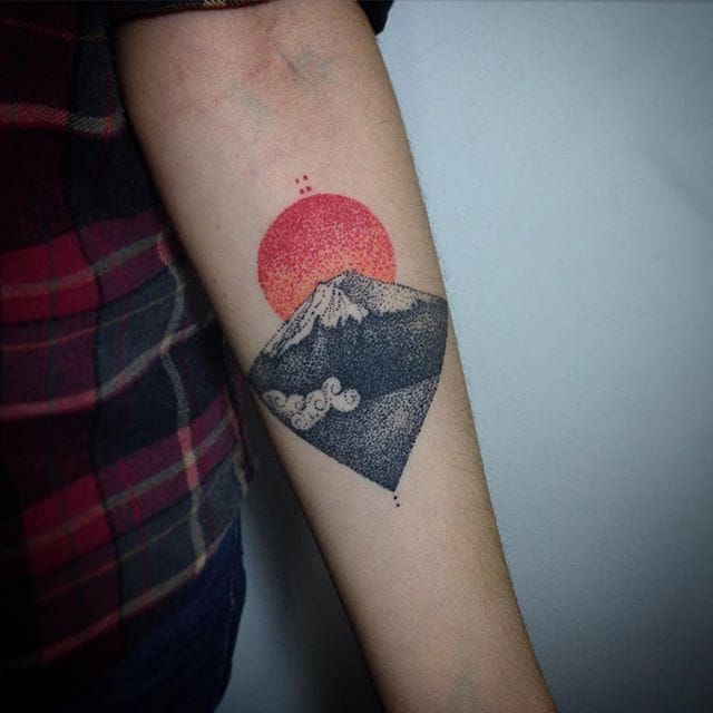 Mount Fuji Tattoo by Daniel Matsumoto MountFuji JapanTattoo Japan Sun Mountain FujiTattoo Dotwork DanielMatsumoto