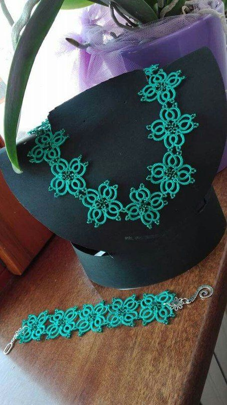 Tatting flower motif. Necklace bracelet edging