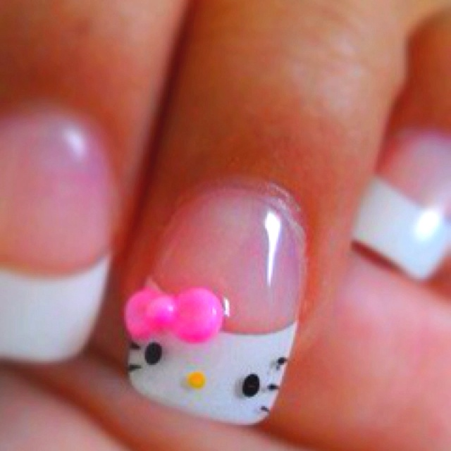Hello Kitty French tip <3