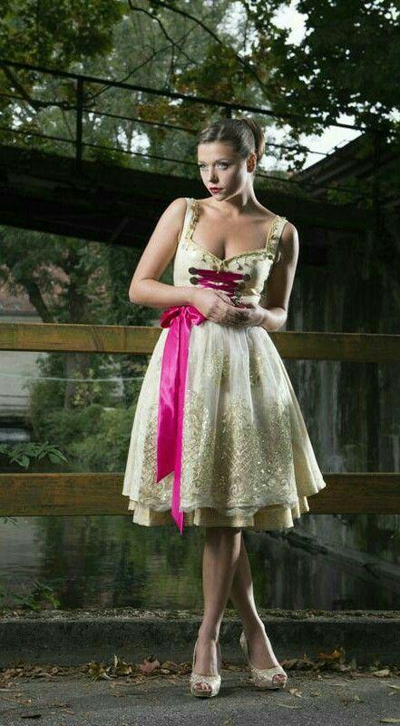Couture Dirndl 2014 by Herzi Dirndl (Pia Bolte)   S❤