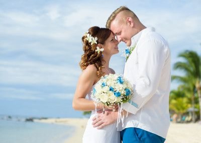 beautiful wedding on Mauritius. Congratulations, Anna and Tymo!
