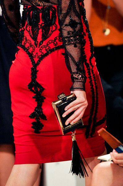 Emilio Pucci: Black Lace, Emilio Pucci, Style Boards, Parties Dresses, Milan Fashion Weeks, Black Pencil Skirts, Emiliopucci, Style Fashion, Red Black