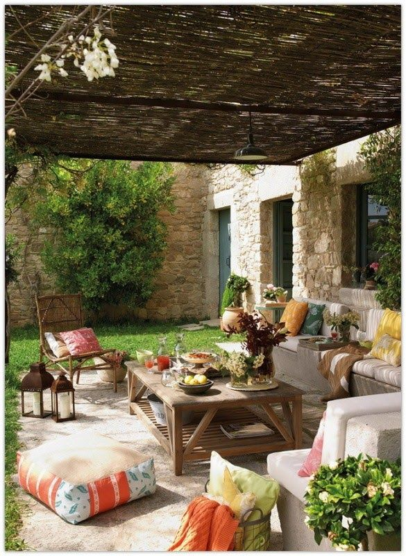 Art Symphony: Outdoor Living laid back furniture and decor