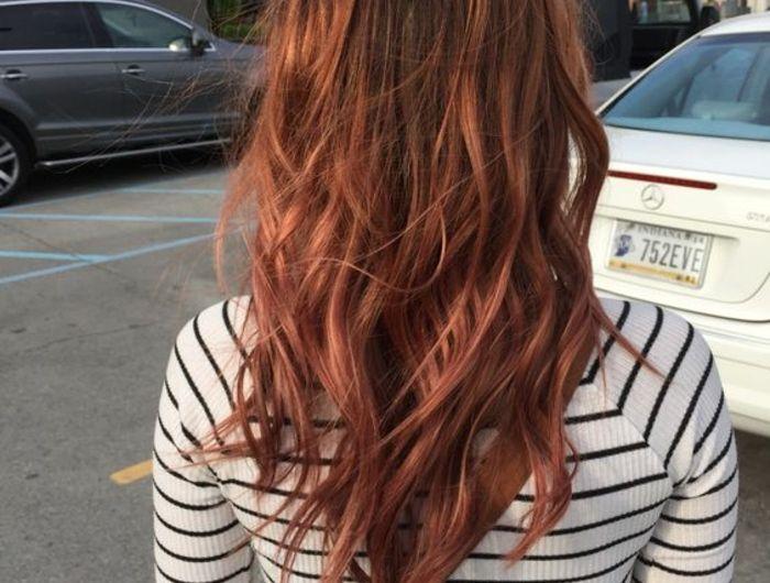 Couleur de cheveux bordeau rouge