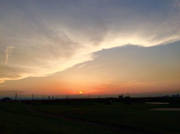 荒川の落日、梅雨の晴れ間だ。  June Sunset, Arakawa River