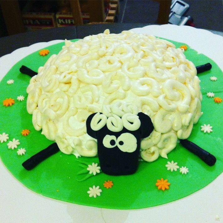 Gâteau shaun le mouton - 5 ans Lily - Meringues cuites