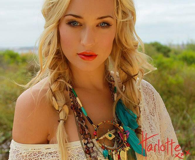 Harlotte lipstick